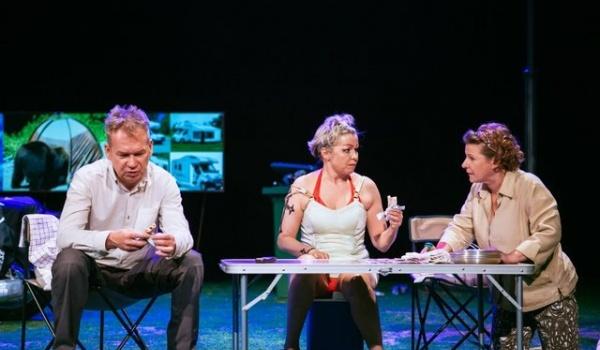 Going. | Raj dla opornych - Teatr Polonia