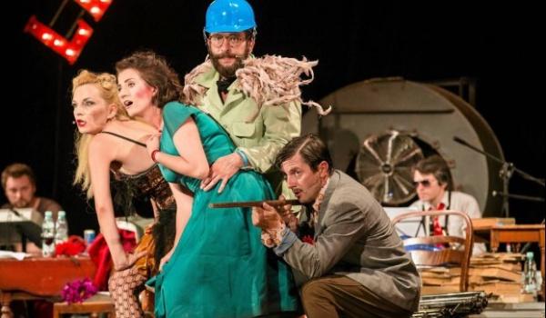 Going. | Pożar w Burdelu - Teatr WARSawy